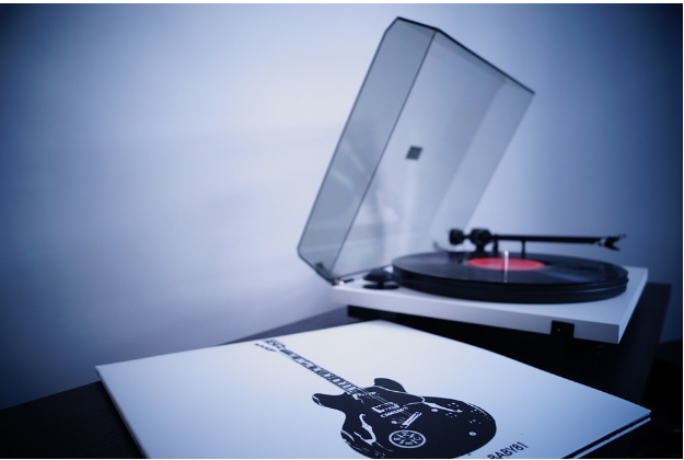 8 Top Modern Record Players You Must Check Out